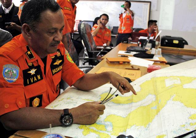 印尼救援人员发现失踪军机并找到4具遗体