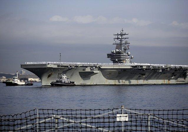 美国海军罗纳德·里根号航空母舰