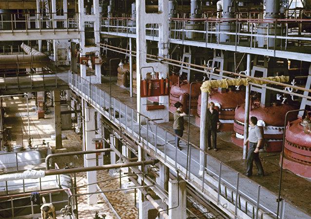 """俄石化控股公司""""西布尔""""与中石化正决定何时启动上海橡胶生产项目"""