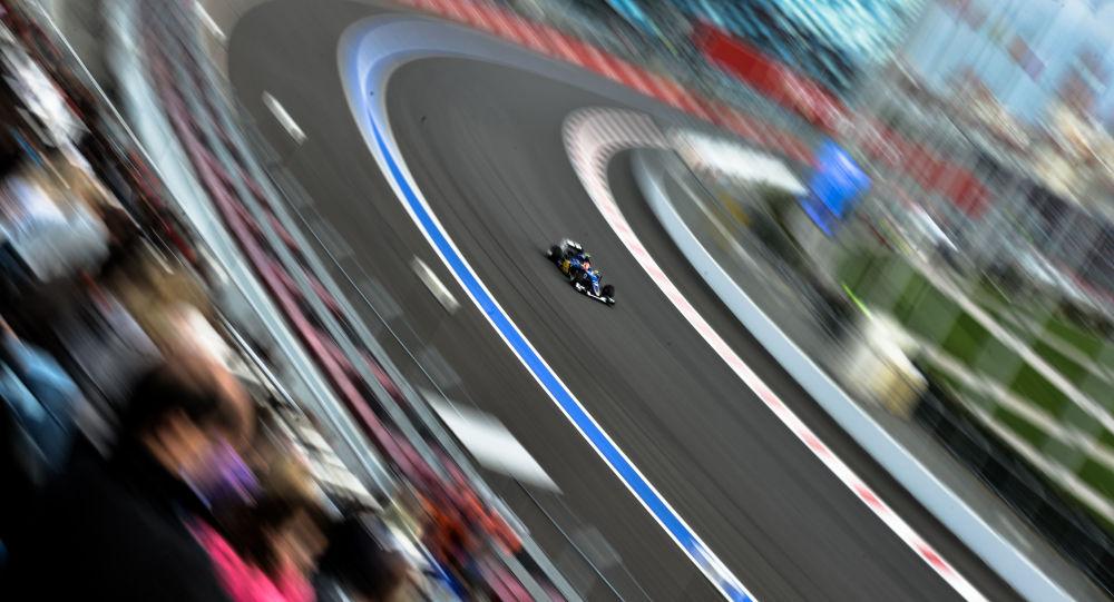 丰田车手在世界汽车耐力锦标赛上睡着