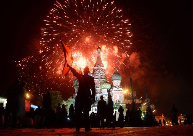 以色列总理祝贺普京胜利日快乐并指出俄人民对战胜纳粹所作贡献
