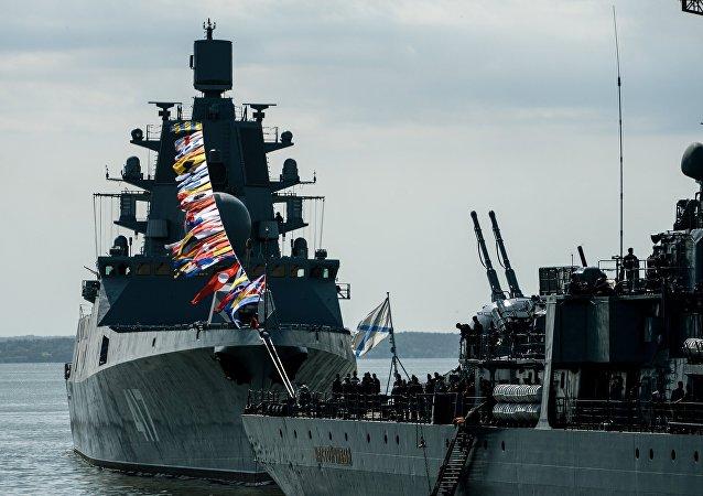 俄波罗的海舰队庆祝成立314周年