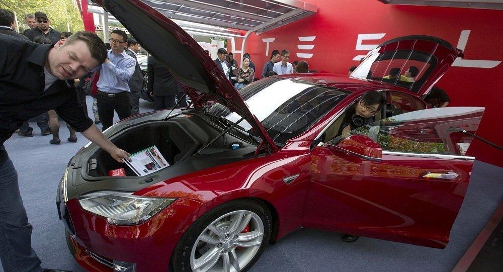 普京不排除购买特斯拉电动汽车的可能