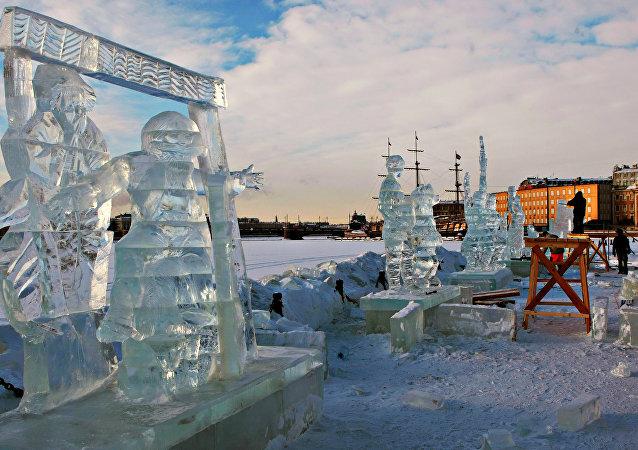 中国选手作品《生命之树》获俄雅库特国际冰雕雪雕比赛第二名