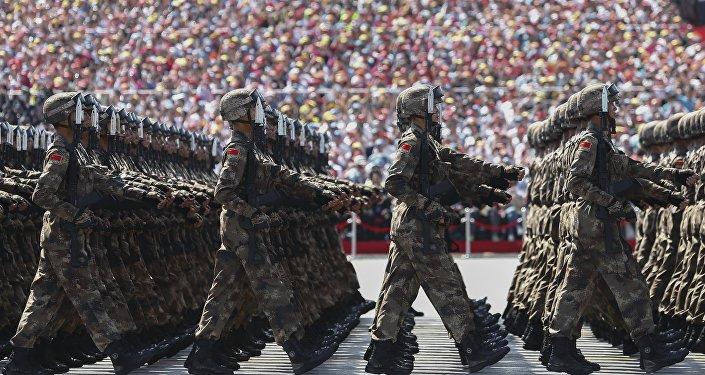 中国成立两大新军种和陆军领导机构