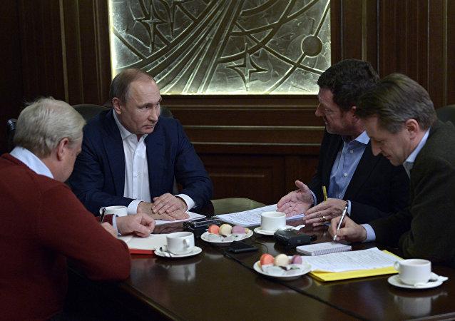 普京:俄面临威胁时将采取一切手段捍卫国家安全