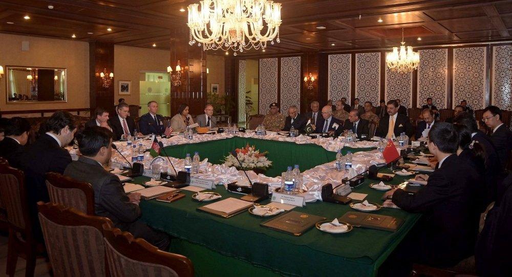 中国愿为喀布尔与塔利班和谈提供帮助