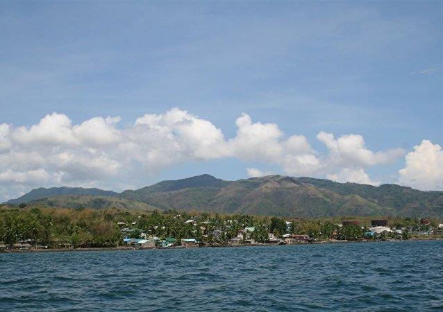 菲律宾一架军用直升机坠海 1人死亡3人受伤