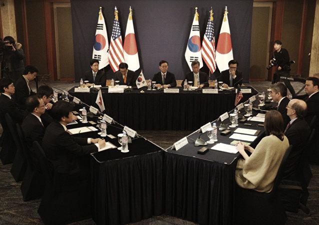 韓國日本美國商定施壓朝鮮並與俄中合作