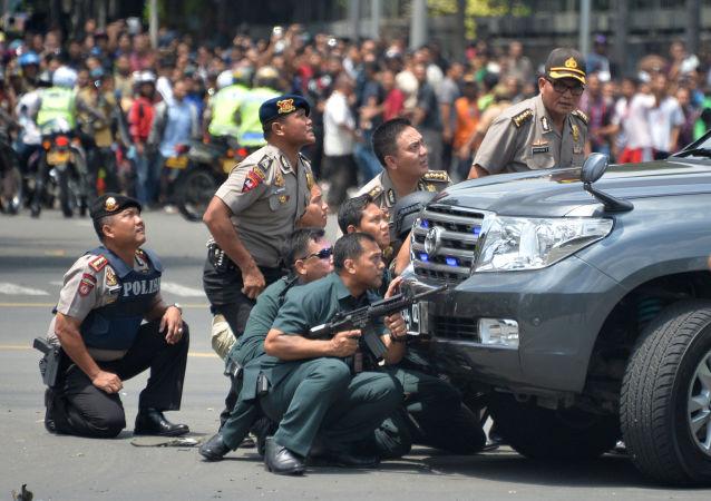 中方谴责雅加达爆炸枪击事件