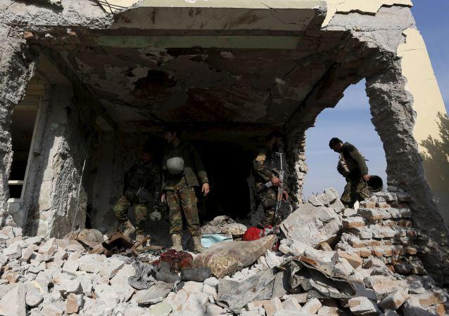 在阿富汗有五名军警在外国空军的空袭中丧生