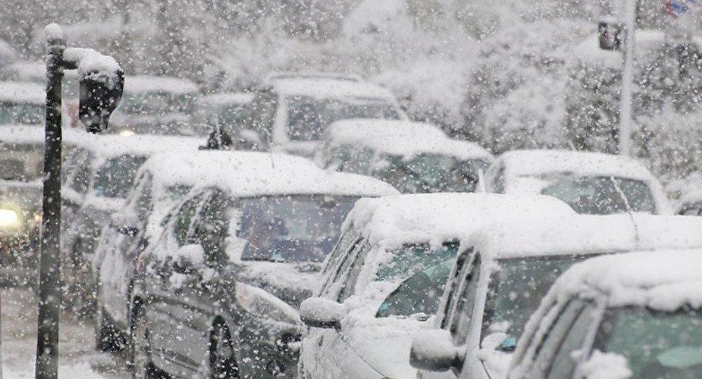 强降雪致美大西洋沿岸上千航班取消