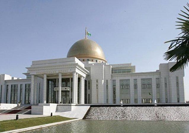 土库曼斯坦首都恢复香烟销售