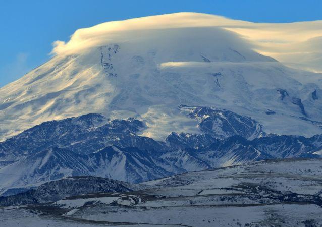 厄尔布鲁士山