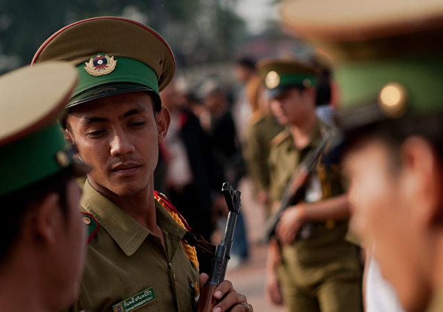 媒体:老挝班车遭不明人士枪击  6名中国公民受伤