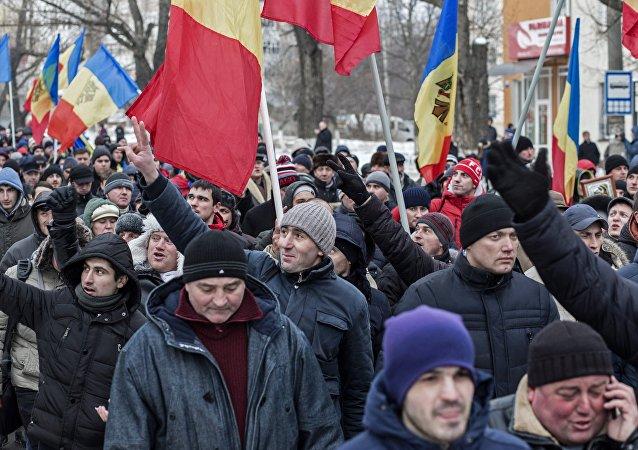 民调:摩尔多瓦公民反对加入罗马尼亚和更改官方语言名称