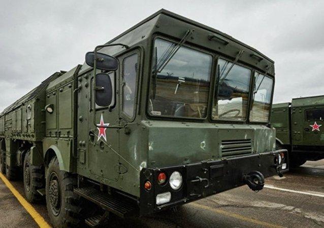 """""""伊斯坎德尔-M""""导弹系统首次被调往塔吉克斯坦参加反恐演习"""