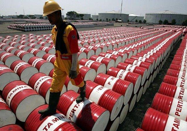 2040年前印度石油消费量或增加1倍至每昼夜1000万桶