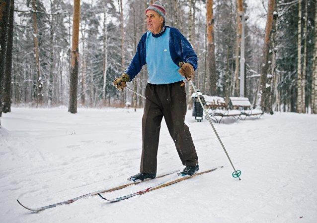 媒体:2016年俄反危机计划未提出提高退休年龄