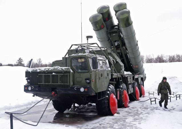 "S-400 ""凯旋""防空导弹系统"