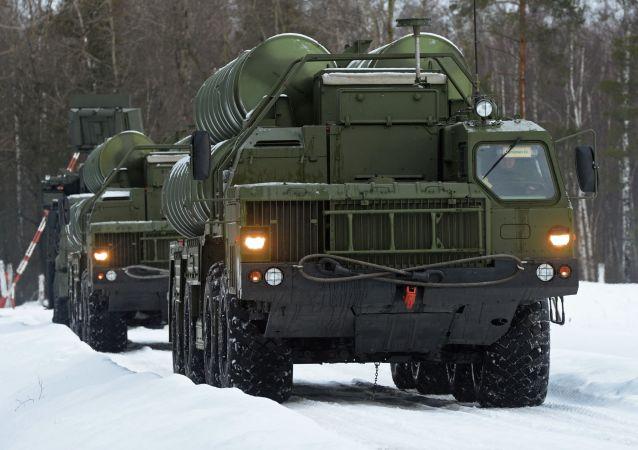"""""""凯旋""""S-400防空导弹"""