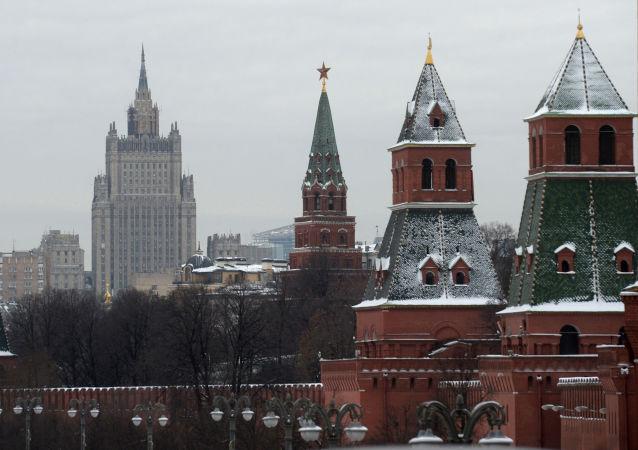 俄总统新闻秘书称该国正通过外交渠道就在法被扣俄参议员问题展开积极工作