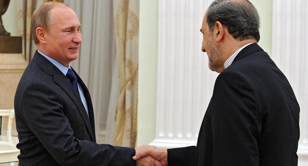 普京与伊朗最高领袖顾问(图片资料)