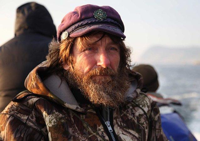 俄旅行家2月将乘狗拉雪橇从彼得罗扎沃茨克前往北德文斯克