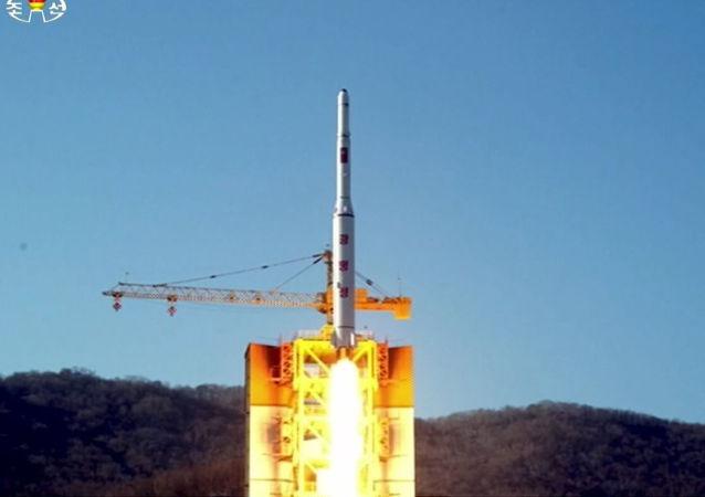 俄联邦国防部:朝鲜卫星设备仪器开始运转