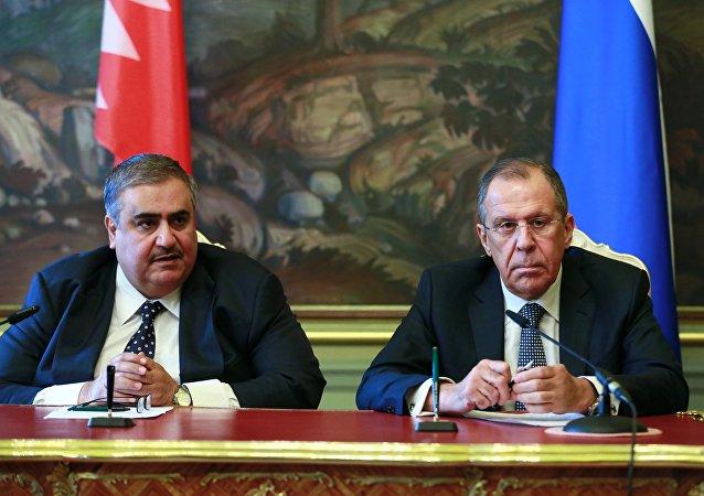 俄罗斯外交部部长谢尔盖·拉夫罗夫与巴林外交大臣哈立德·阿勒哈利法