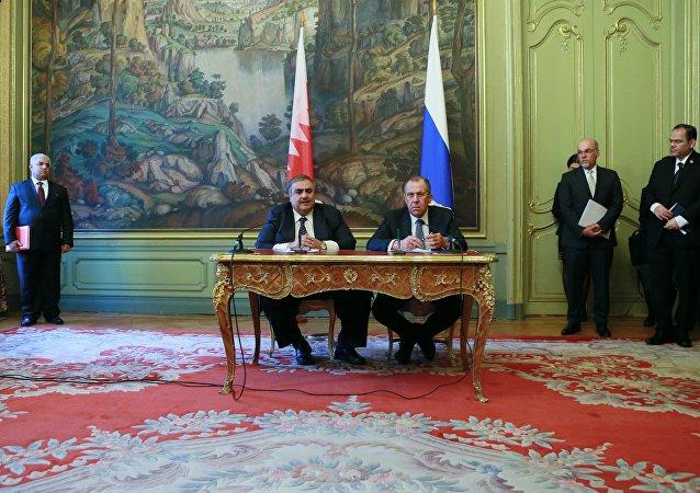 俄罗斯外长拉夫罗夫和巴林外长哈立德·阿勒哈利法