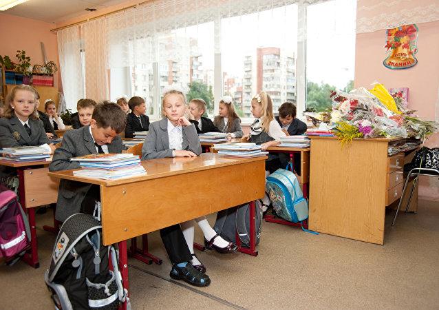 俄或在大选后增加教育、医疗和基建支出