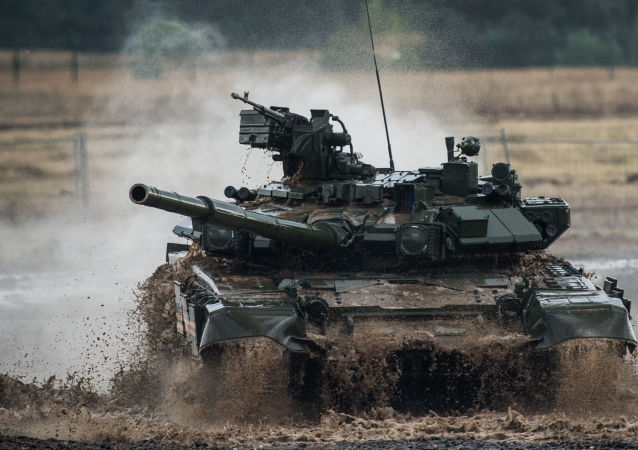 Танк Т-90 на III международном форуме Технологии в машиностроении — 2014 в Жуковском