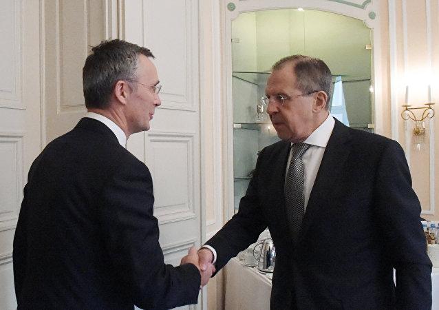 快讯:拉夫罗夫开始与北约秘书长斯托尔滕贝格在慕尼黑进行会谈。