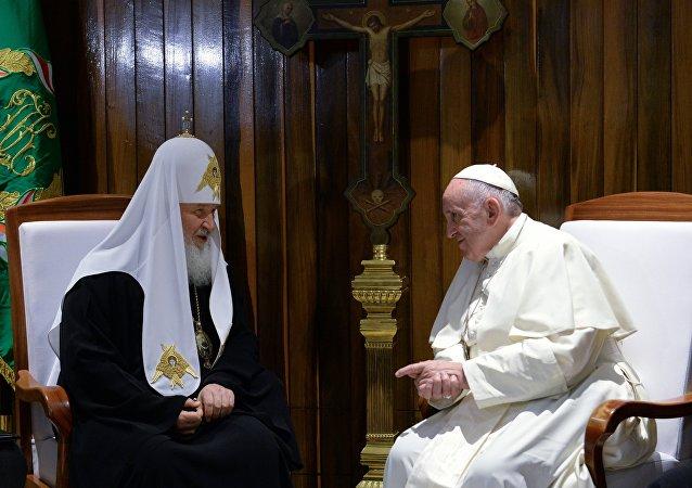 莫斯科及全俄罗斯东正教大牧首与罗马天主教教宗的史上首次会晤在哈瓦那国际机场开始举行