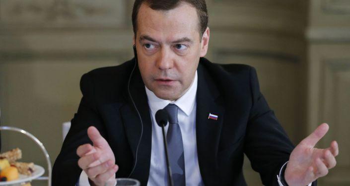 俄总理称不会针对特朗普当选后可能撤消对俄制裁做预测