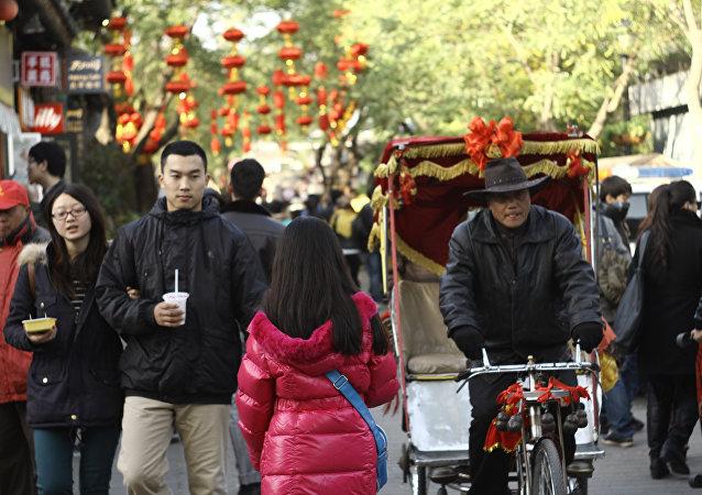 专家:中国人口数量将在2028年达到顶峰