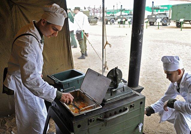 """俄军炊事员将在""""野外炊事""""国际比赛上与哈蒙两国一争高下"""