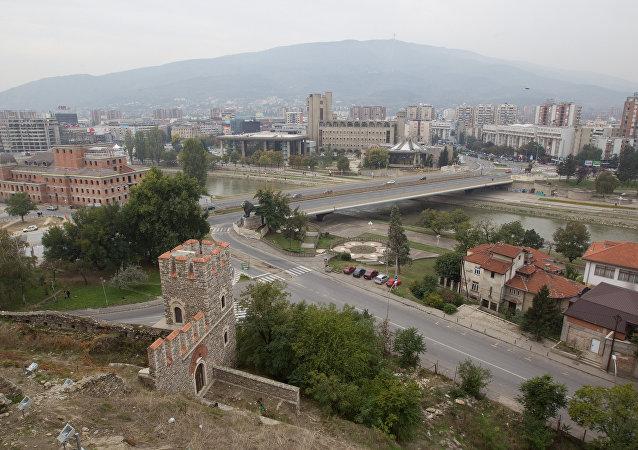 媒体:马其顿对阿富汗移民关闭与希腊边境
