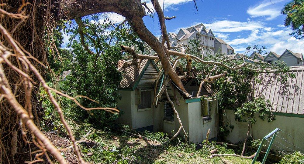 """热带气旋""""亚萨""""在斐济造成的死亡人数上升至4人"""
