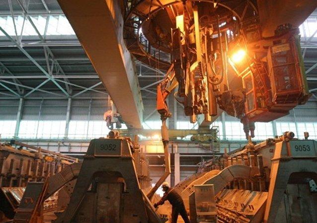 俄铝完成以2.99亿美元向中国酒钢集团出售牙买加Alpart氧化铝厂交易