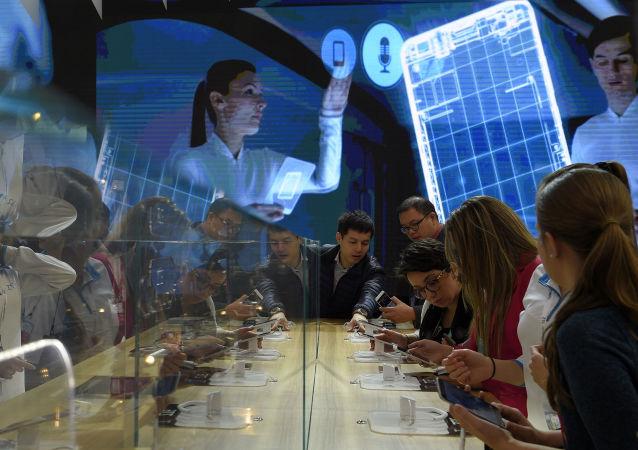 绿色和平组织:半数中国人希望减少购买智能手机