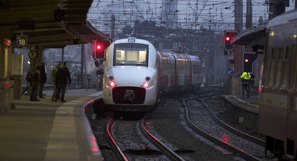 媒体:比利时一列客运列车与货运列车追尾造成 3死40伤