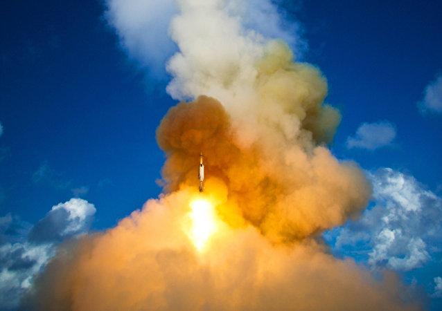 美国成功试射未携带弹头的民兵3洲际弹道导弹