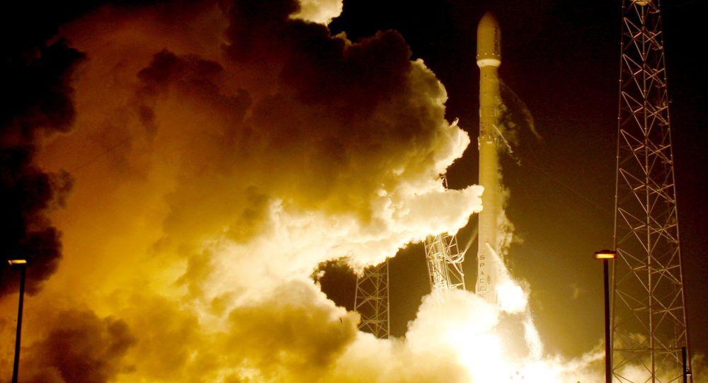 """美国SpaceX公司发射第16批""""星链""""通信卫星"""