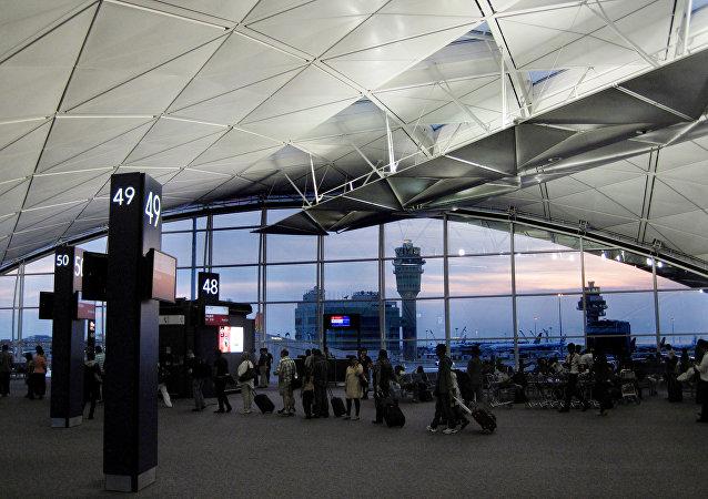 """热带风暴""""洛克""""造成香港机场50余架次航班延误"""