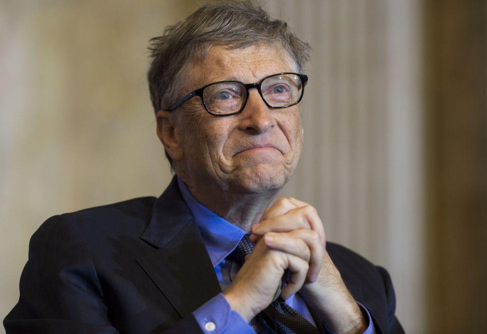 比尔盖茨 资产:750亿美元 资产来源:微软 年龄:60 国家:美国 比尔盖茨第17次登顶福布斯富豪榜。近年来在大家眼中,盖茨不仅是微软创始人,他还是世上最慷慨的慈善家,比尔及梅琳达盖茨基金会主要从事改善发展中国家医疗服务和预防接种的问题。
