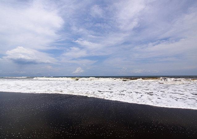 媒体:印尼派出25艘船搜寻失联潜艇