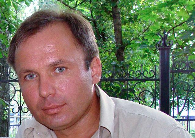 """俄飞行员亚罗申科认为美国政府企图""""肉体消灭""""他"""