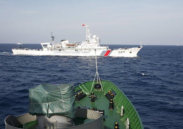 日本因中国军舰靠近其水域再次向中国提出抗议